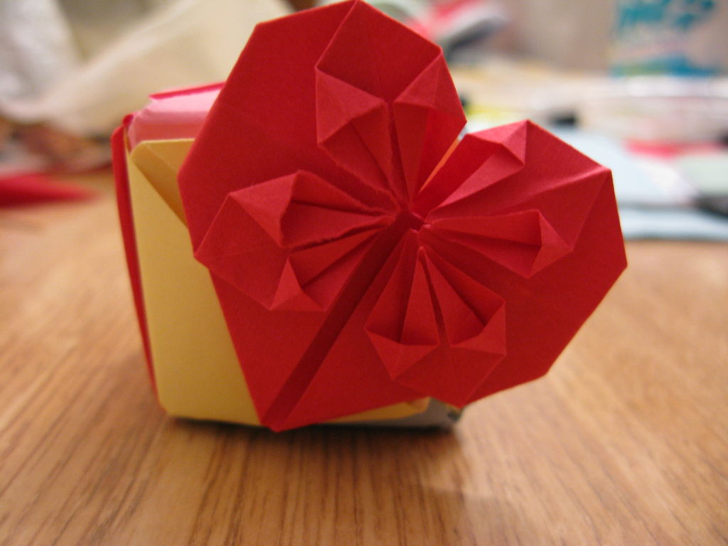 Simple Decorative Origami Heart/Bookmark – DIY Craft Room - photo#8